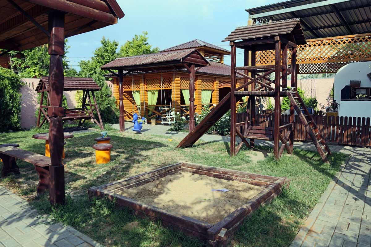 база отдыха Альтернатива, детская площадка